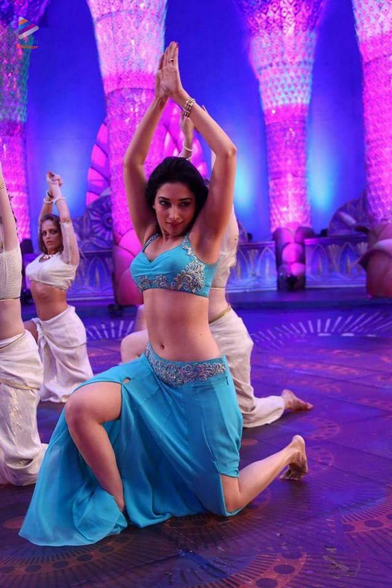 OMG... Kajal to act under a controversial director