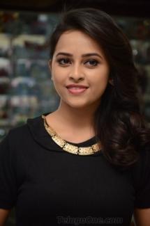 Sri Divya cute (1)