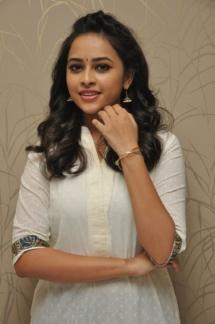 Sri Divya cute (14)