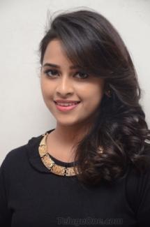 Sri Divya cute (3)