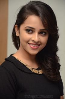 Sri Divya cute (9)