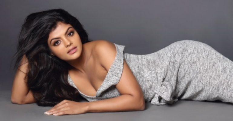 Actress TejaShree Hot Gallery