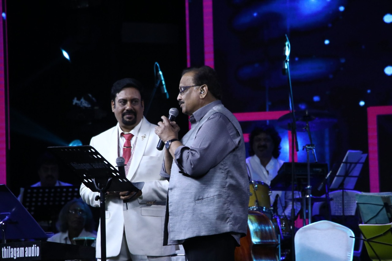 "Parinati Productions Ananthu's Athmanjali ""Unakenna Mele Nindrai"" – A tribute to MSV -stills"