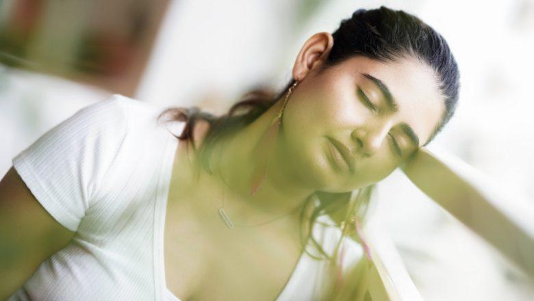 கறுப்பு வெள்ளை புகைப்பட சவாலில் நடிகை ஆஷிமா நார்வால்!