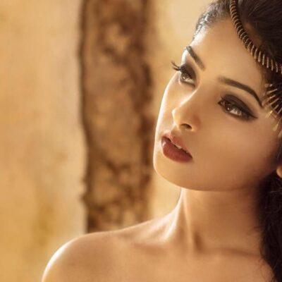 நடிகை அகிலா நாரயணன் புத்தம் புதிய புகைப்படங்கள்