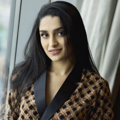 கன்னட நடிகர் ராஜ்குமார் பேத்தி நடிகை  தன்யா ராம்குமார்  புத்தம்புதிய புகைப்படங்கள்